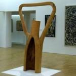"""Escultura de Frans Krajcberg, denominada """"Fragmento Ecológico nº5"""" datada 1973/1974, da Coleção Permanente do Centro Georges Pompidou"""